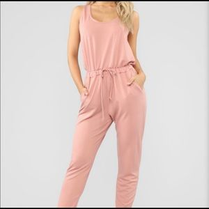 NEW JUMPSUIT IN SIZE SMALL 🌸🌷